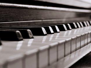 Yahmaha P60S Electric Piano