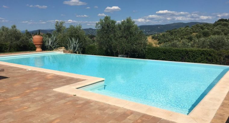 Spectacular Villa with beautiful Pool by Florence