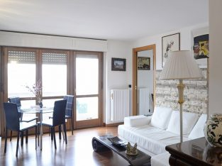 For rent: Bedroom with private bathroom, Ripamonti area