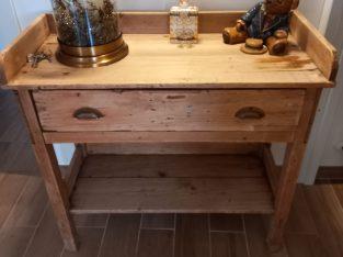 Compact dresser 150 euros ono